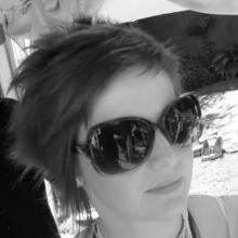 Profile picture for user hayleytrowbridge